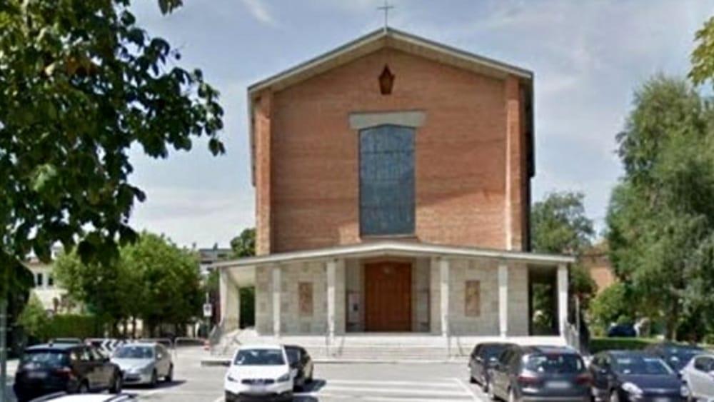 Scrive una lettera al vescovo e lascia la parrocchia del - Casa di cura paderno dugnano ...